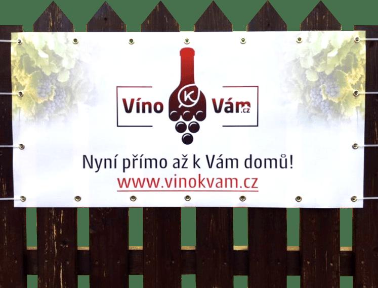 Reklama na plotě VínokVám.cz